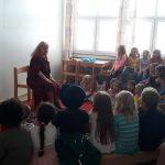Sommerfest im Kinderhaus Sandrain Märchenerzählerin begeistert Kinder